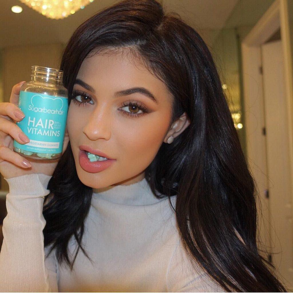 Las Kardashian recomiendan los suplementos vitamínicos Sugar Bear Hair para tener una piel perfecta y tersa